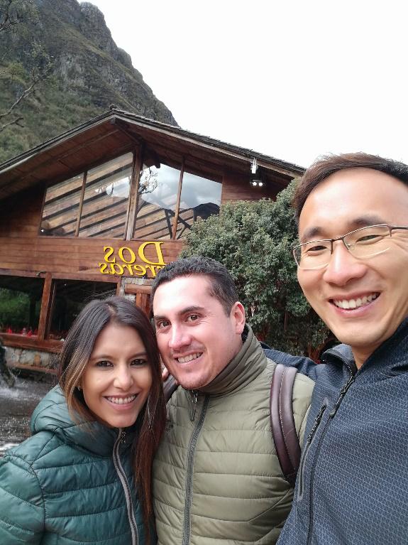 El personal de China Pioneer Garlic Group visita al cliente de Ecuador