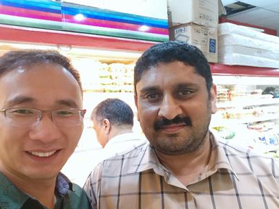 El personal de Pioneer Garlic Group visita al cliente en África y Medio Oriente